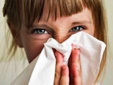 Amsterdamse scholen: 'Vang verkouden kind liever thuis op'