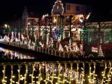 Leerdamse kerstfanaten: Het begon met twee boompjes en een krans