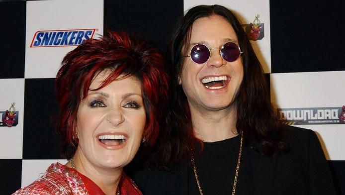Sharon (links) en Ozzy Osbourne.