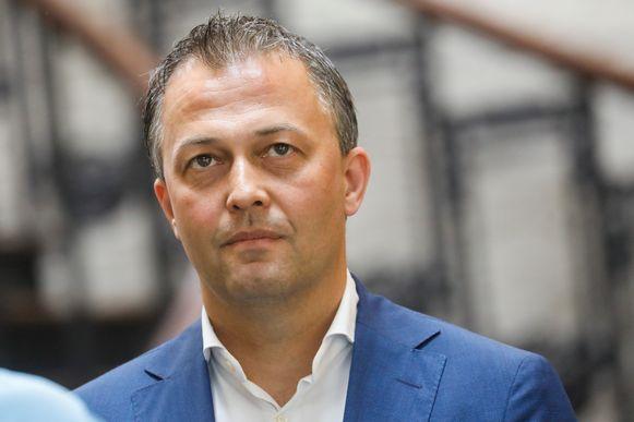 """Kersvers Open Vld-voorzitter Egbert Lachaert wil bouwen aan een """"België 2.0, op liberale leest geschoeid""""."""