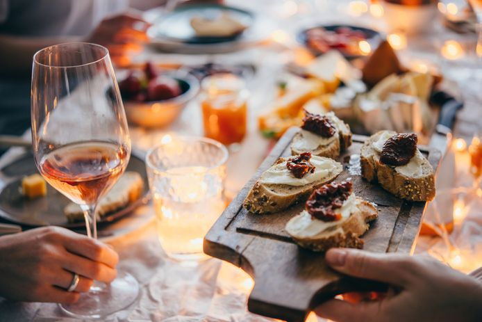 Doe gezellig mee, zeggen 'vrienden' als je een wijntje weigert.