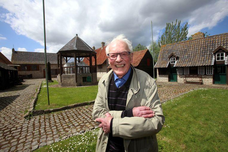 Museumdirecteur Marcel Messiaen in zijn openluchtmuseum Bachten de Kupe. Hij droomt ervan zijn levenswerk verder uit te breiden.
