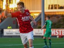 Jong AZ wint wonderlijke voetbalshow, dubbele rampavond voor De Graafschap