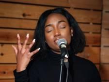 """Soulzangeres Sunday Rose (25) brengt eerbetoon aan slachtoffers Dutroux: """"Vreemd hoe je toch kan opgroeien met dat leed zonder het bewust meegemaakt te hebben"""""""