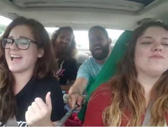 Ze zingen luidkeels in de auto en dan gaat het gruwelijk mis