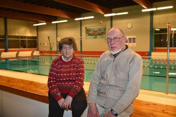 Pieter Verreydt en Jeanne Vandeyck betreuren dat ze de Vrije Zwem- en Sportvereniging Hofstade moeten opdoeken door de sluiting van het zwembad van Sport Vlaanderen.