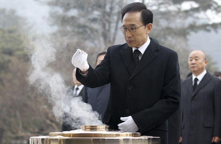 De Zuid-Koreaanse president Lee Myung-bak tijdens een nieuwjaarsceremonie in Seoul. Beeld reuters