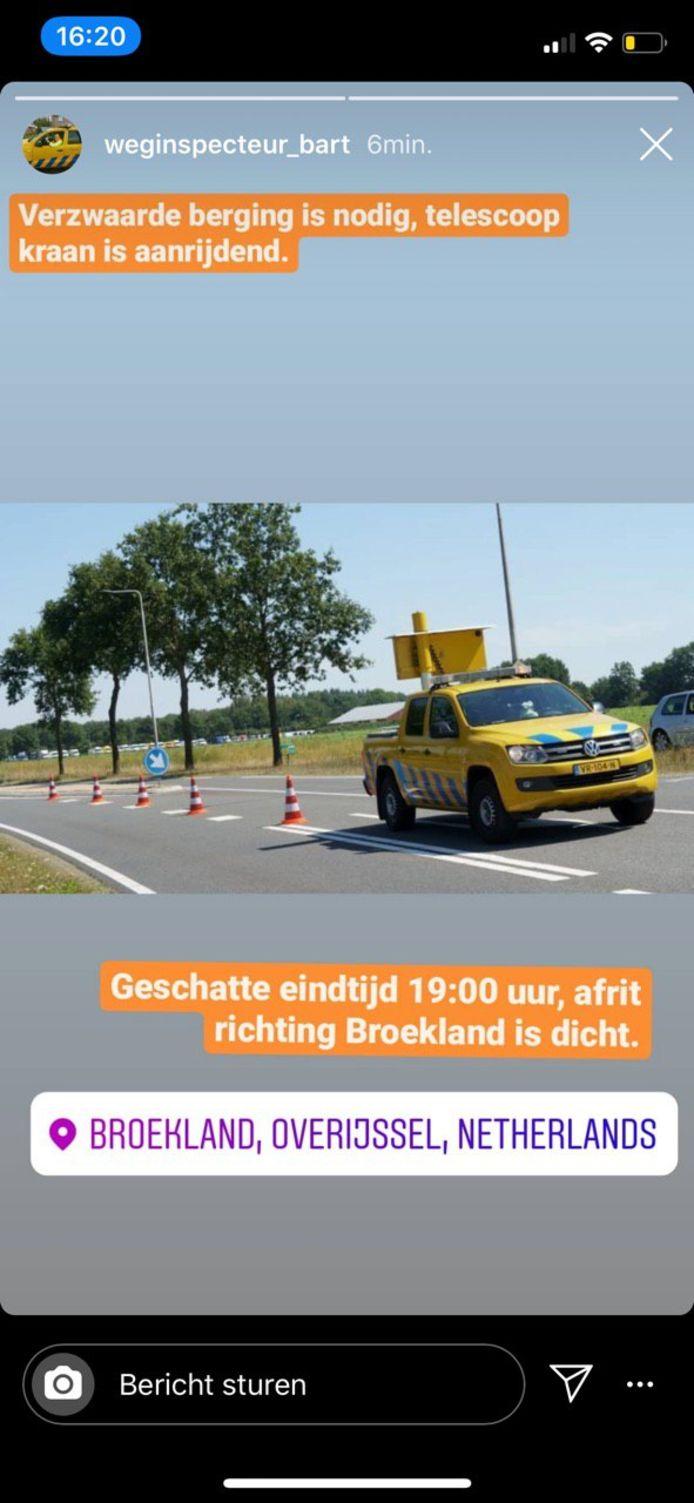 De afrit bij Broekland ging op slot vanwege de berging.