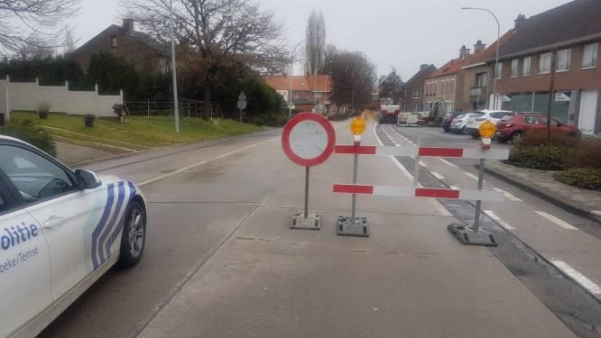 """Politie controleert aan werf wegenwerken Tielrode: """"Verboden toegang geldt voor iedereen"""""""