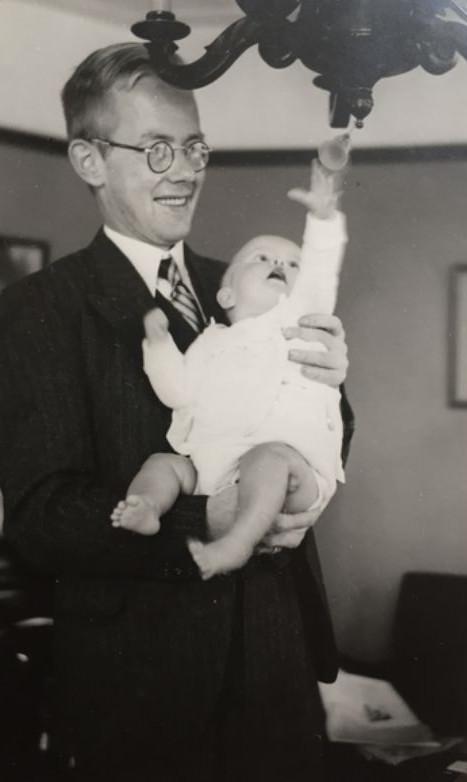 Piet Bouma met dochtertje Emmy.