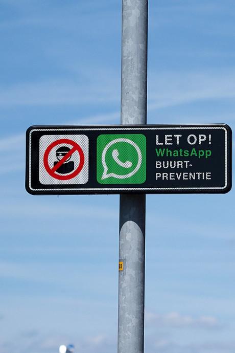 Whatsapp-bordjes in polder gestolen