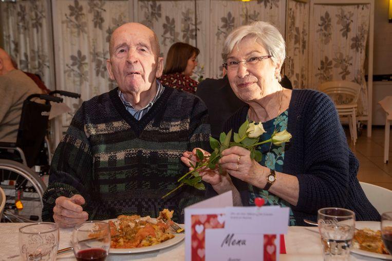 André en Norma genieten van hun valentijnsmenu in Schelderust.