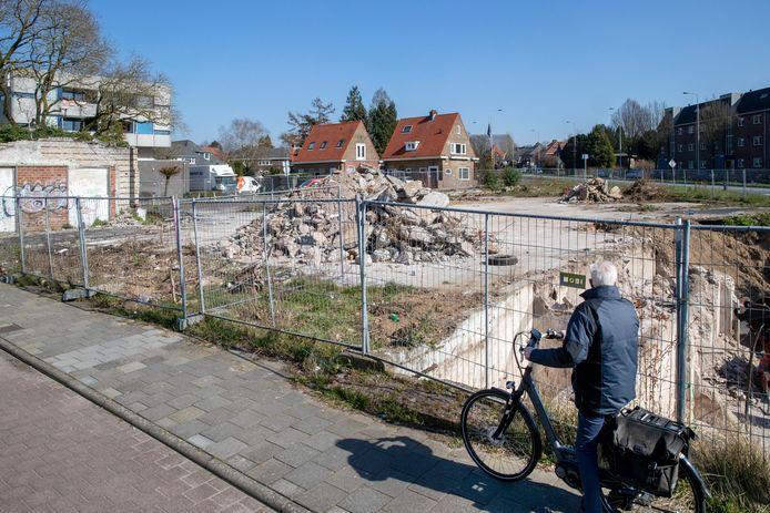 De kelders van voormalig pand Kirpestein zijn gesloopt, op deze plek moet een studentenflat komen.