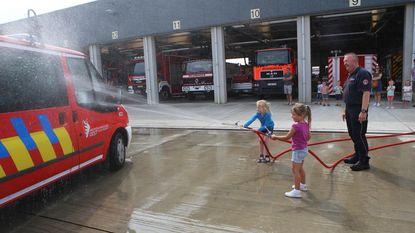 Kleuters spelen dagje brandweer