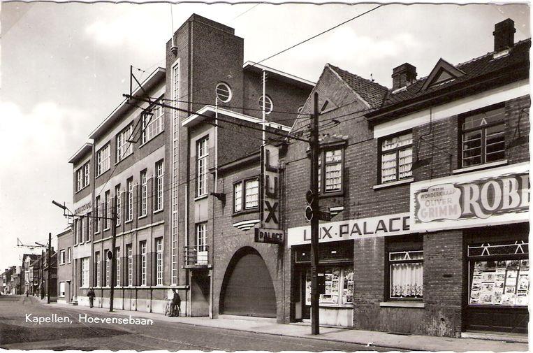 De vroegere cinema Lux aan de Hoevensebaan