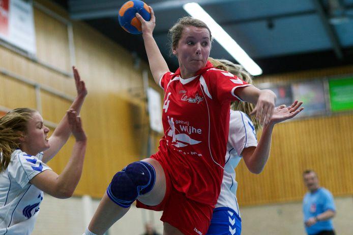 Lettele en Wijhe treffen elkaar zaterdag bij de ouverture van de handbalcompetitie in de tweede divisie.