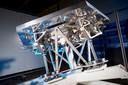 Een van de 798 spiegels met een door VDL gebouwd onderstel.