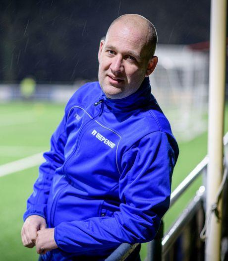 Trainer Christian Koop staat te trappelen om bij Blauw Wit'66 te beginnen