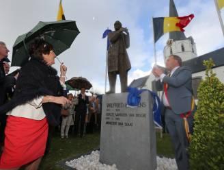 Prominenten huldigen Wilfried Martens met standbeeld en plein
