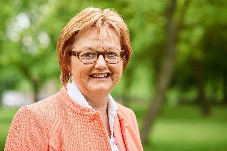 Mia Cattebeke (CD&V) uit kritiek op het armoedebeleid van Kortrijk.