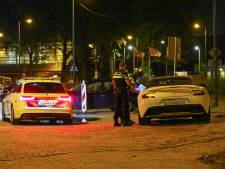 Snelheidsduivel in Aston Martin is na scheuren over de A15 rijbewijs kwijt