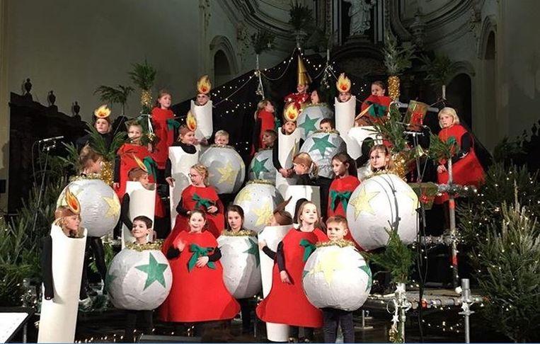 Het Alpaidis kinderkoor in de Sint-Gorgoniuskerk