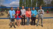 Jonge beachtennissers doen ervaring op