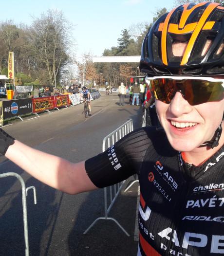 Mirre Knaven wint nieuwelingencross Huijbergen én eindklassement topcompetitie