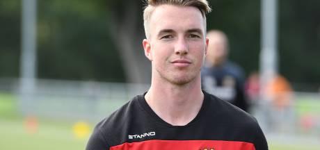 Done-deal: verdediger Bakker tekent contract bij Go Ahead Eagles