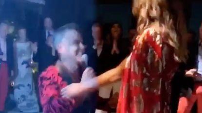 Robbie Williams vraagt zijn vrouw Ayda opnieuw ten huwelijk