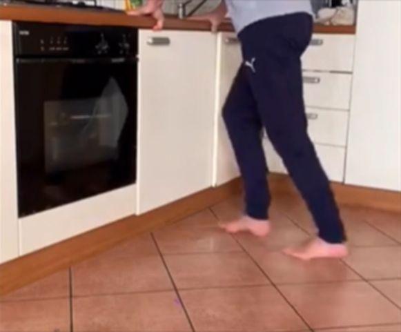 Water, zeep en een vloer, meer heb je niet nodig om binnenshuis te lopen.