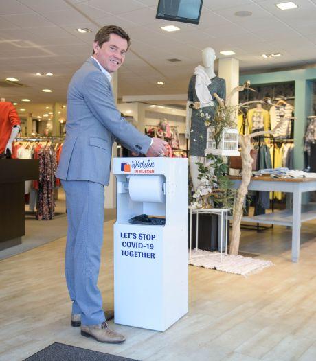 'Hygiënezuilen in Rijssense winkels stralen uit: Hier kun je veilig shoppen'