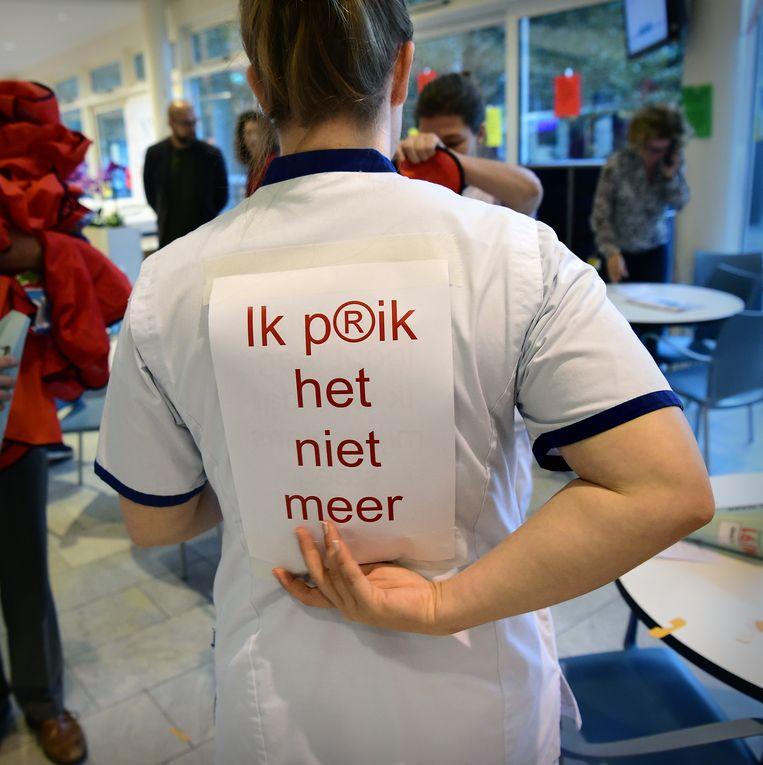 Cao-actie van ziekenhuispersoneel in Den Haag in oktober. Beeld Marcel van den Bergh / de Volkskrant