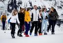 De koninklijke familie tijdens de jaarlijkse fotosessie in Lech