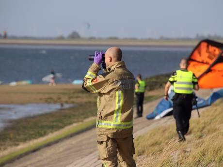 Windsurfer die zijn plank kwijtraakte bij Oesterdam gered: 'Ik kon nog wel efkes blijven liggen'