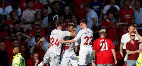 Van Aanholt schiet Crystal Palace in blessuretijd naar winst op Old Trafford