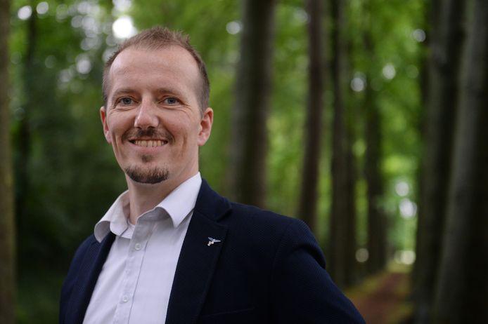 Er valt wat te lachen voor PVV-voorman Sebastiaan Stöteler, nu het voorstel om statushouders niet langer voorrang te geven voor een sociale huurwoning erdoor is.