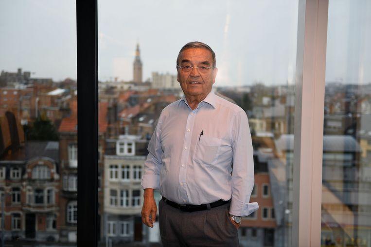 Burgemeester Louis Tobback (sp.a) wil studenten inschrijven in het Leuvense bevolkingsregister.