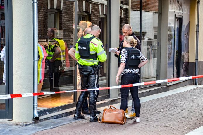 Bij een steekincident aan de Turfstraat in Zutphen is maandag een persoon gewond geraakt.