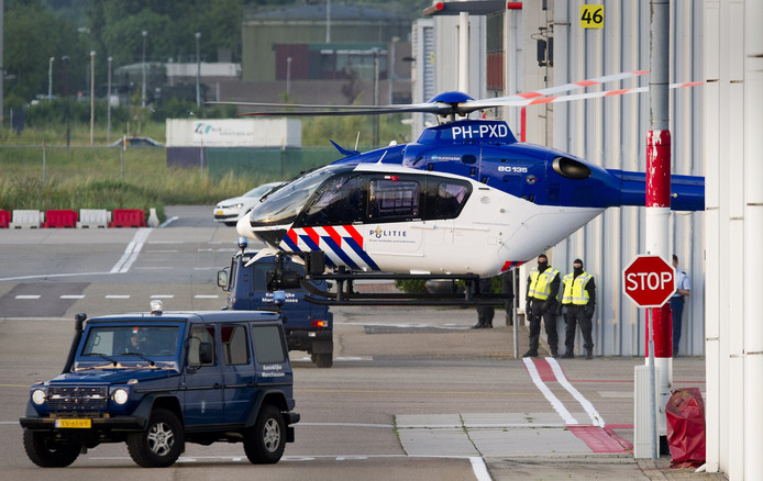 politiehelikopter op Rotterdam The Hague Airport