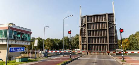 Brug bij Marksluis in Oosterhout kan niet meer naar beneden