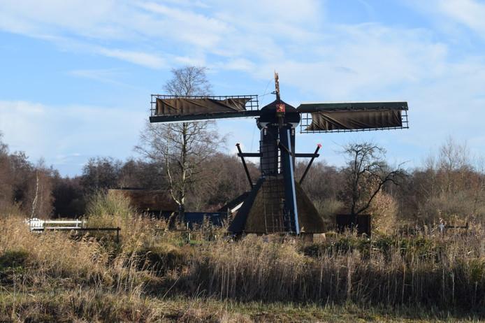 De wiek van de molen is afgebroken.