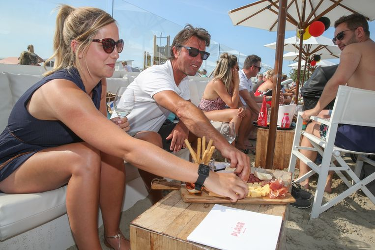 Strandbars in Knokke-Heist mogen enkel nog tapas verkopen.