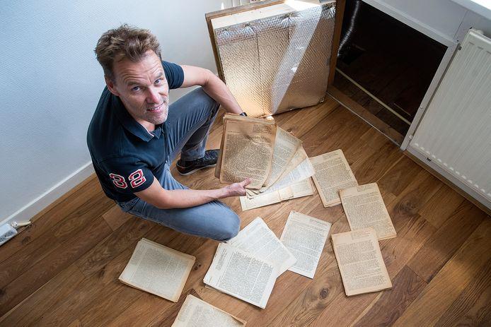 Don Guikink vond bij de verbouwing van zijn huis onder de vloer op de bovenverdieping radiotoespraken van NSB'er Max Blokzijl.