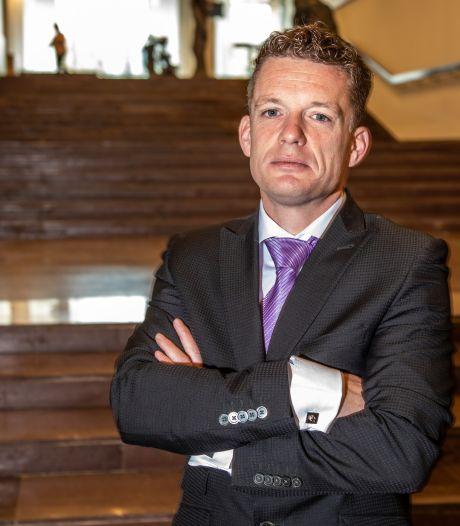 Forum knikkert Overijssels Statenlid Johan Almekinders uit partij na zijn kritiek op 'onrechtmatig' referendum over 'instabiele' Baudet
