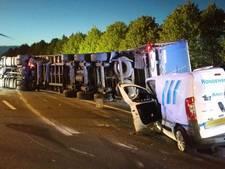 Enorme ravage op A58 bij Oirschot na ongeluk met vrachtwagen, weg dicht