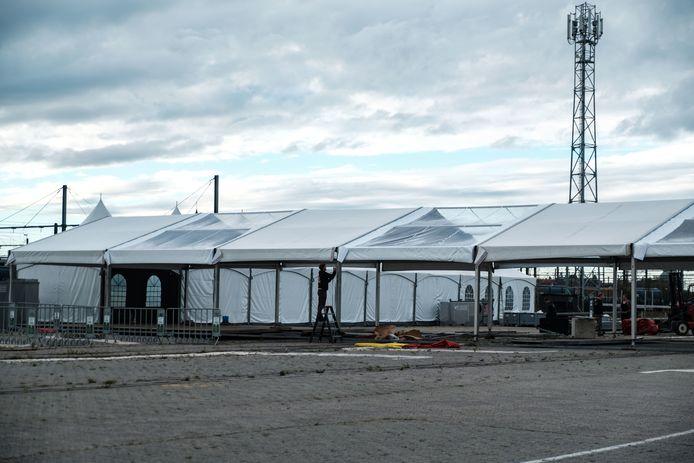 Op de site wordt er gebouwd aan een winterproof testdorp.