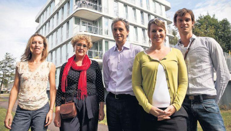 De jury van de Amsterdamse Nieuwbouwprijs 2009: (vlnr) Natasja Keller, Johanna Bruin, Henne Roelvink, Gabriëlle Voogt, Steven Delva. Foto Marc Driessen Beeld