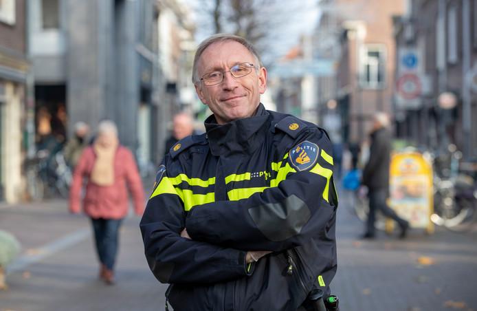 Chris Dorland gaat na 43 jaar weg bij de politie.