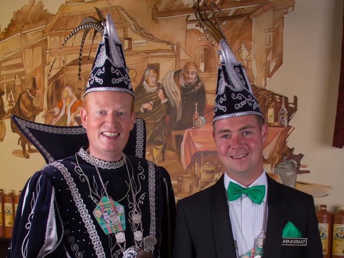 Prins Frits Pap d'n Urste van Papgat en zijn adjudant Bart Hulsen.